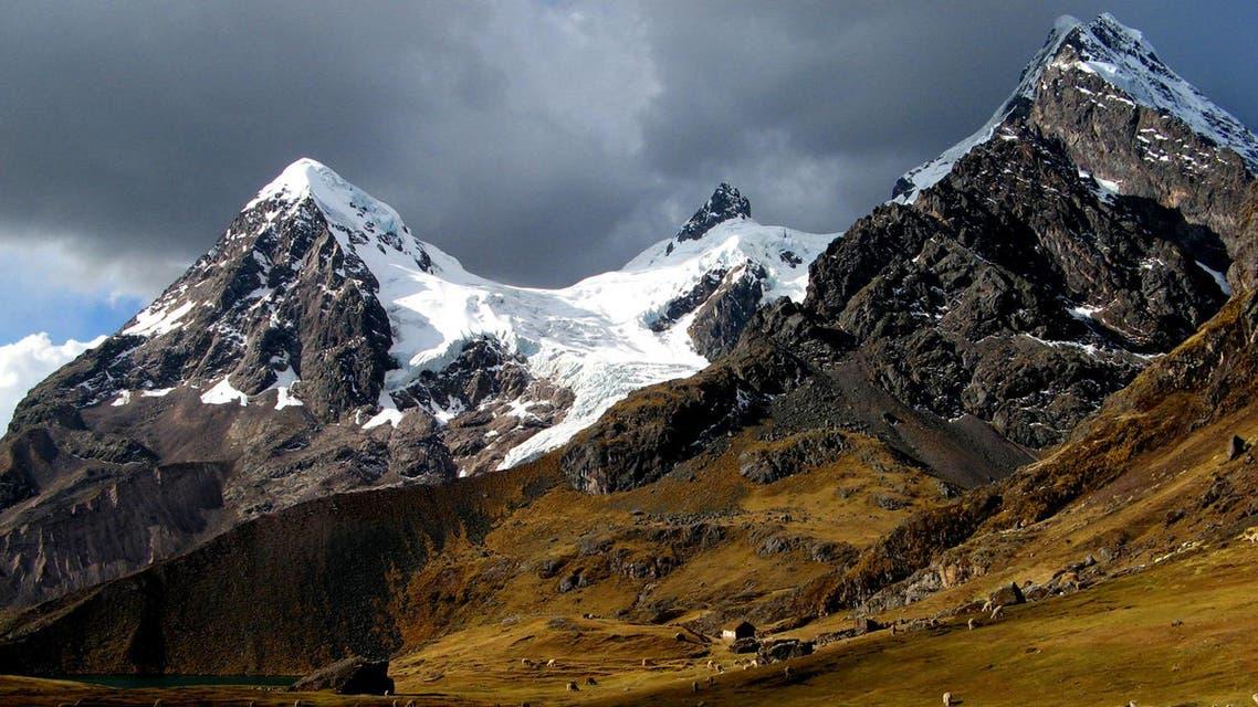 مشهد من سلسلة جبال الأنديز