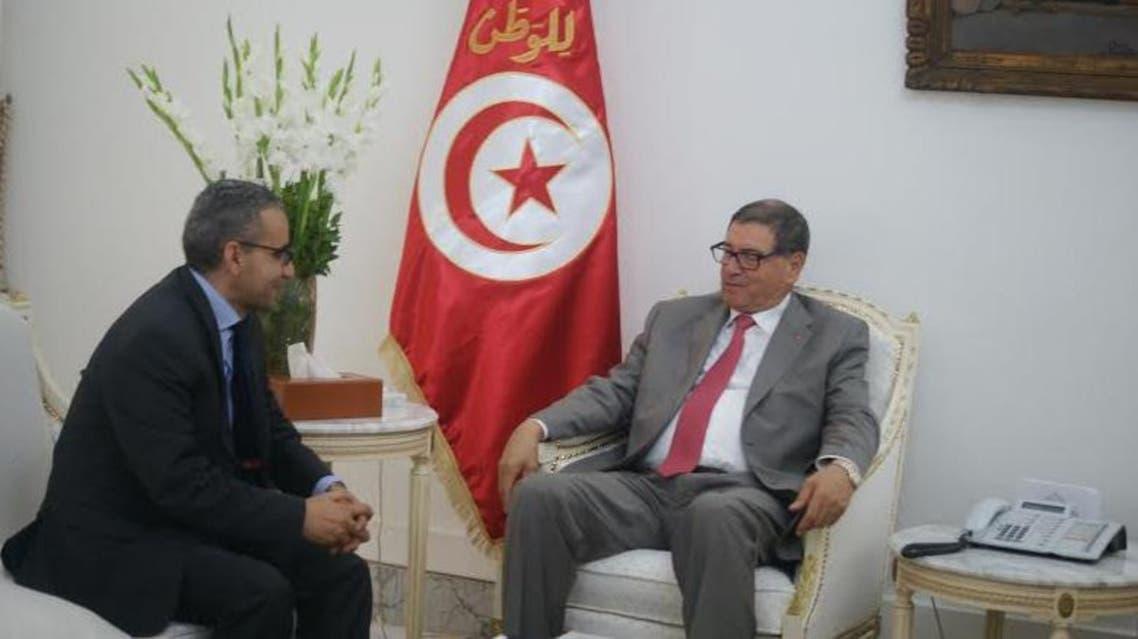 مراسل العربية.نت خلال الحوار مع رئيس الحكومة التونسية الحبيب الصيد