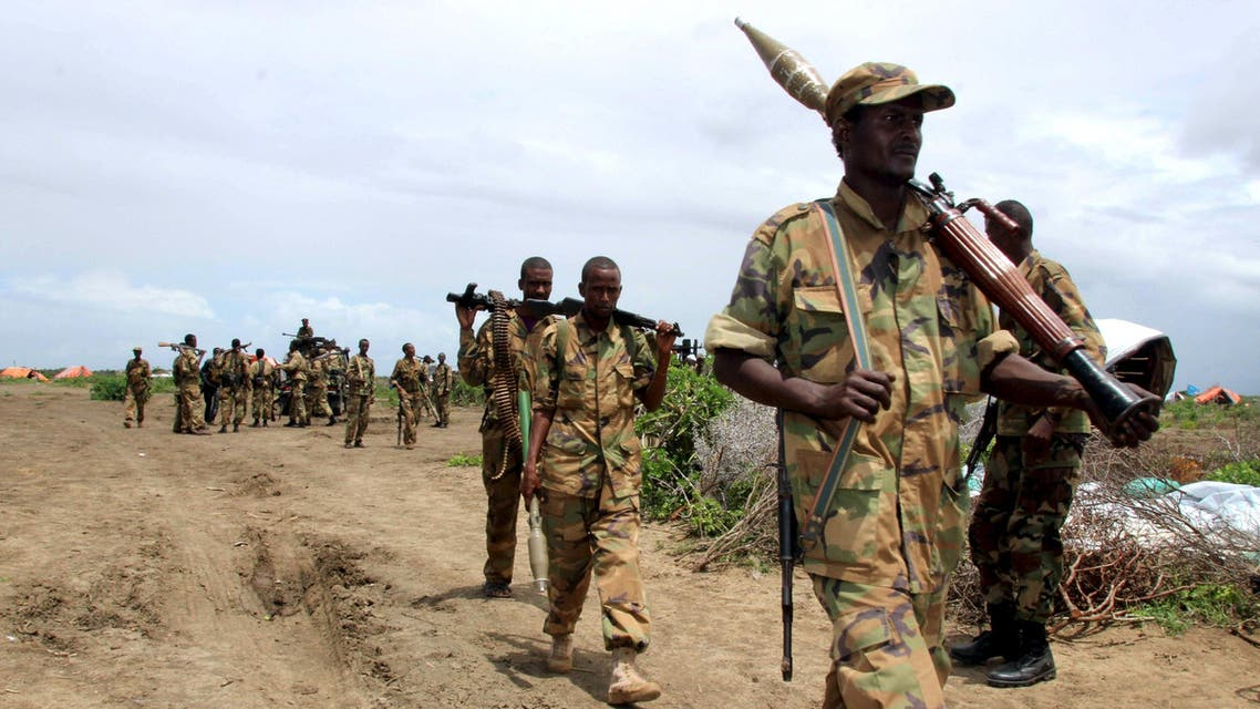 Jubbaland forces carry their ammunitions during a security patrol against al Shabaab militants in Bulagaduud town, north of Kismayu, Somalia, August 17, 2015. (File photo: Reuters)