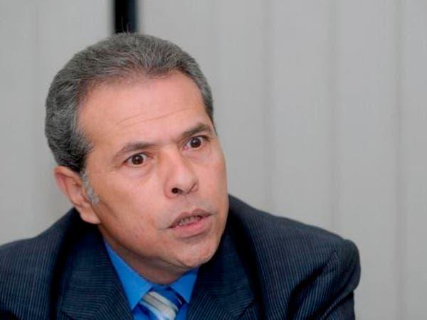 رئيس برلمان مصر يطرد توفيق عكاشة من المجلس