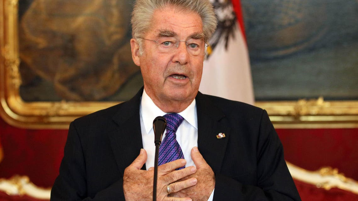 Austrian President Heinz Fischer adress the media after talks with President of Montenegro Filip Vujanovic and the Chairman of Bosnian tripartite Presidency Dragan Covic at the Hofburg palace in Vienna, Austria, Wednesday, Aug. 26, 2015. (AP Photo/Ronald Zak)