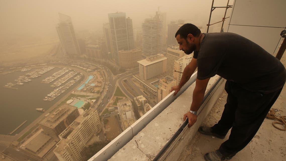 Unseasonal sandstorm hits Lebanon, Syria