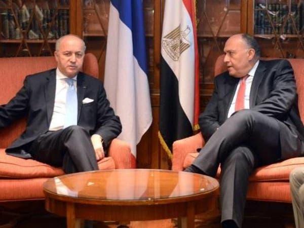 مصر.. شكري يطالب بتوفير ملاذ آمن للاجئ سوريا والعراق