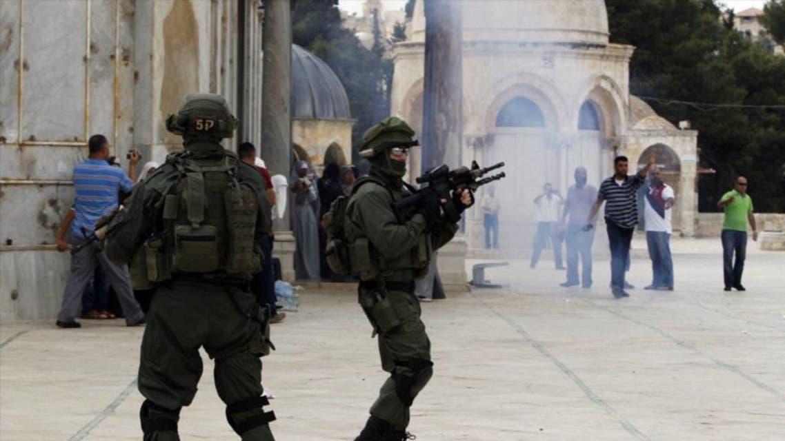الجيش الاسرائيلي يطلق النار في ساحات الحرم في القدس