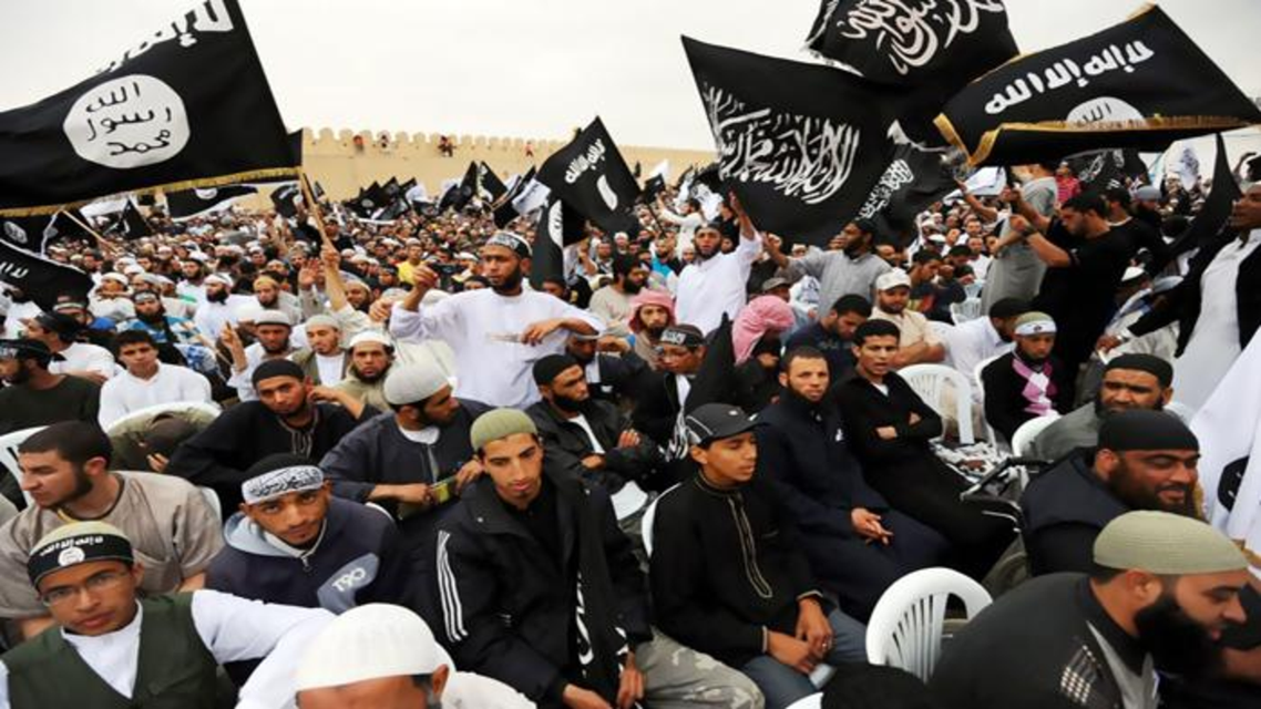 جماعات سلفية تجتاح أحد مساجد تونس