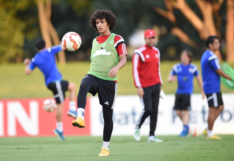 صورة سابقة لعمر عبدالرحمن في تدريبات المنتخب الإماراتي