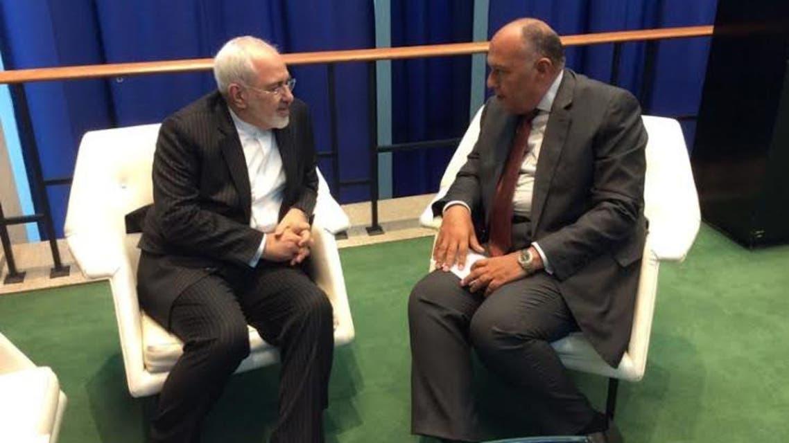 سامح شكري وزير خارجية مصر خلال لقائه وزير خارجية إيران جواد ظريف