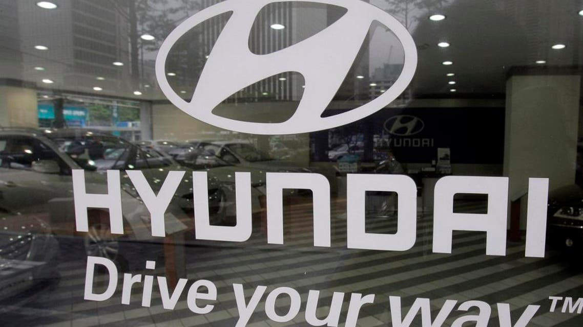 Hyundai motor's logo is seen at its' showroom in Seoul, South Korea, Thursday, July 29, 2010. Hyundai said Thursday it earned 1.39 trillion won ($1.2 billion) in the three months ended June 30. The company earned 811.9 billion won the same period last year. (AP Photo/Lee Jin-man)