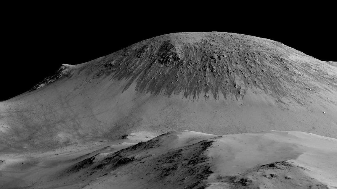 -03 - --, -, - : A handout image made available by NASA on September 27, 2015, shows dark, narrow, 100 meter-long streaks called recurring slope lineae flowing downhill on Mars are inferred to have been formed by contemporary flowing water. Recently, planetary scientists detected hydrated salts on these slopes at Horowitz crater, corroborating their original hypothesis that the streaks are indeed formed by liquid water. AFP PHOTO /NASA/JPL/UNIVERSITY OF ARIZONA