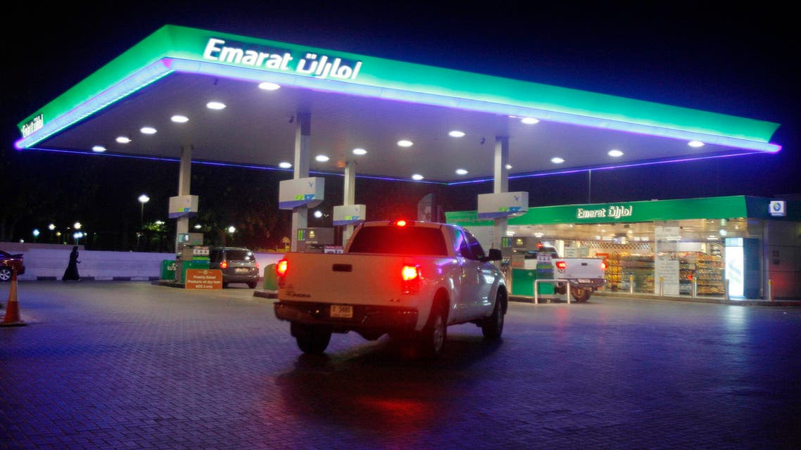 A vehicle queues for petrol at an Emarat gas station in Dubai June 23, 2011. (Reuters)
