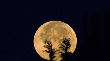 حكايات غريبة مرتبطة بالقمر.. هل هي مجرد أساطير؟