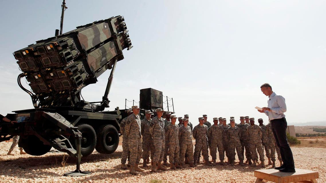NATO Secretary-General Jens Stoltenberg of Norway addresses U.S. soldiers during his visit to view the U.S. Patriot missile system at a Turkish military base in Gaziantep, southeastern Turkey. (File photo: Reuters)