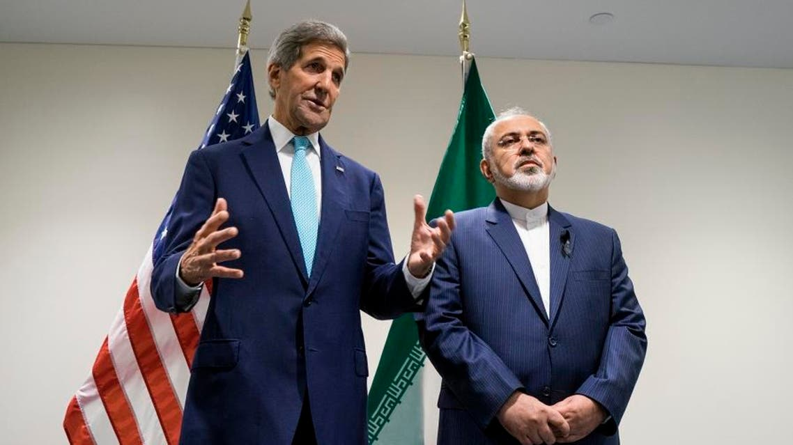 US Secretary of State John Kerry, left, meets with Iranian Foreign Minister Mohammad Javad Zarif at United Nations headquarters Saturday, Sept. 26, 2015. (AP