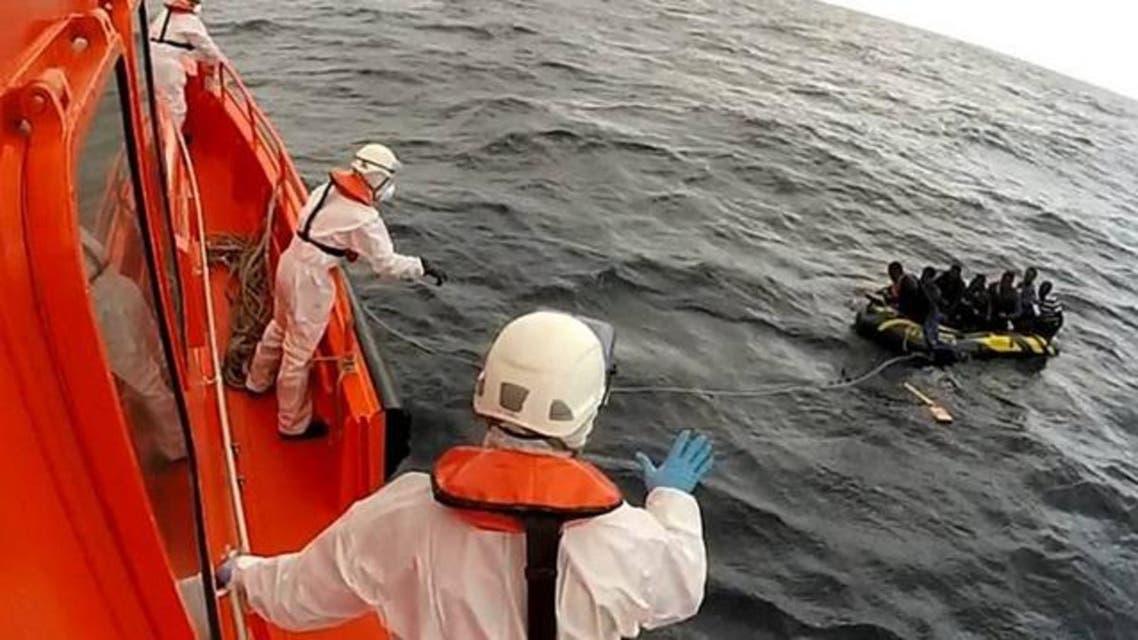 انقاذ مهاجرين قبالة سواحل اسبانيا