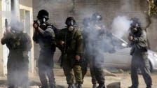 """طعن إسرائيلي بالضفة.. وفتح """"الأقصى"""" لكل الأعمار"""