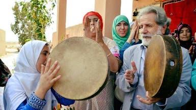 بالصور.. الفنان مارسيل خلفية يدعم نساء المغرب