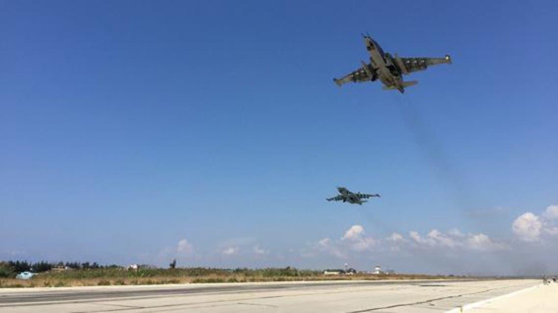 طائرات حربية روسية في مطار حميميم في اللاذقية في سوريا