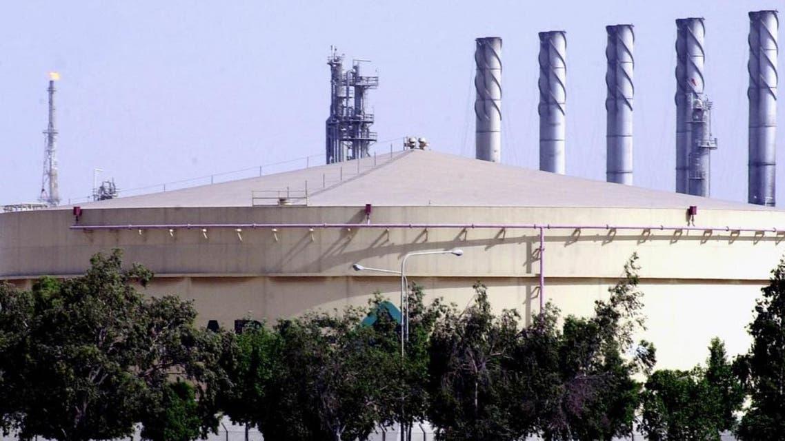 A fuel storage tank at the Saudi Aramco Shell oil refinery in Jubail, Saudi Arabia. (File photo: AP)