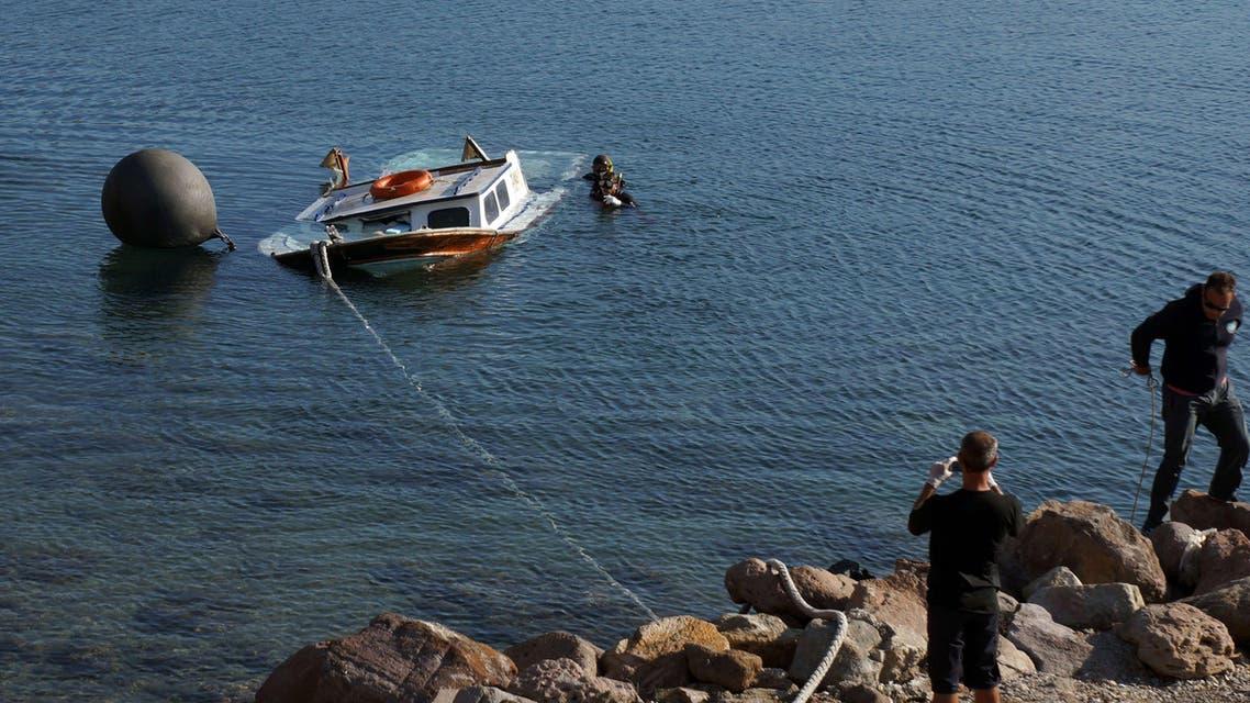7 قتلى في اصطدام سفينة دورية يونانية بزورق مهاجرين