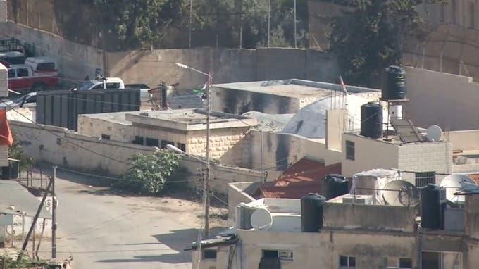 صورة تناقلتها مواقع عالمية تظهر الدخان يتصاعد من قبر يوسف في نابلس