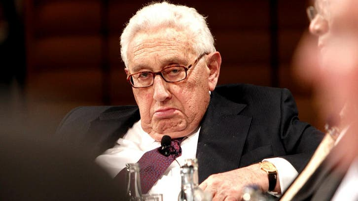 كيسنجر يحذر إدارة بايدن من العودة للصفقة النووية مع إيران