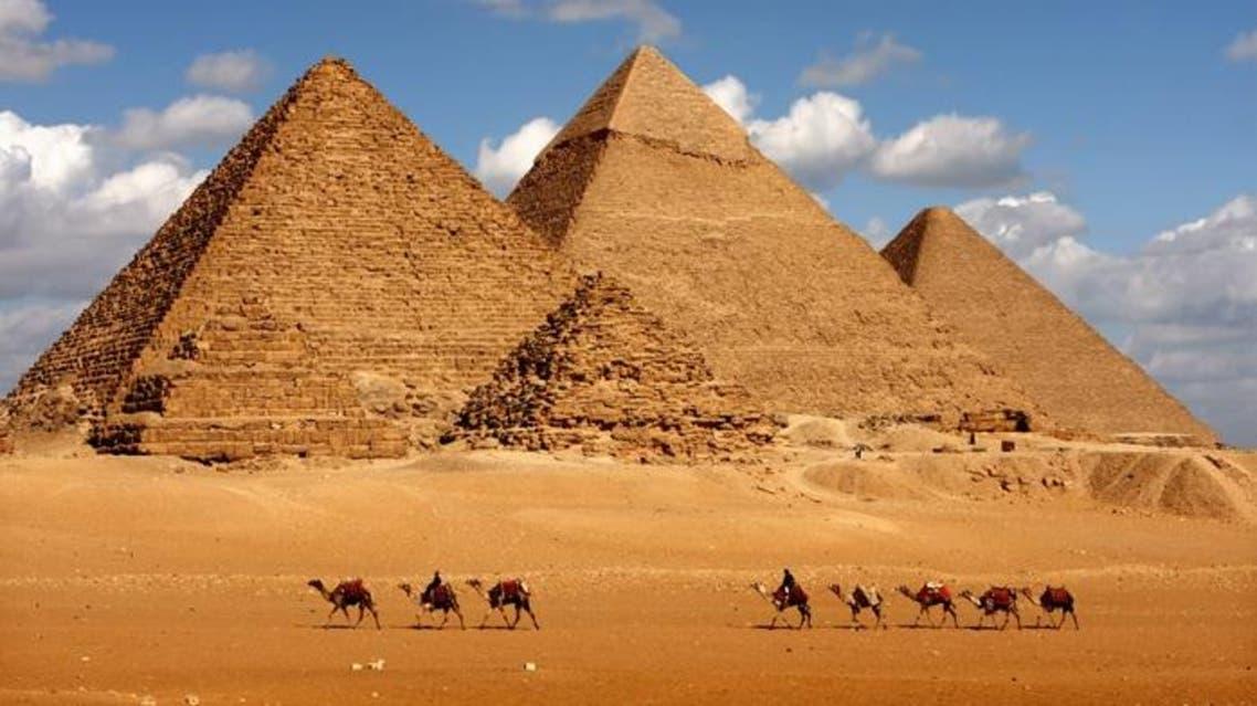 أهرامات الجيزة - مصر 3