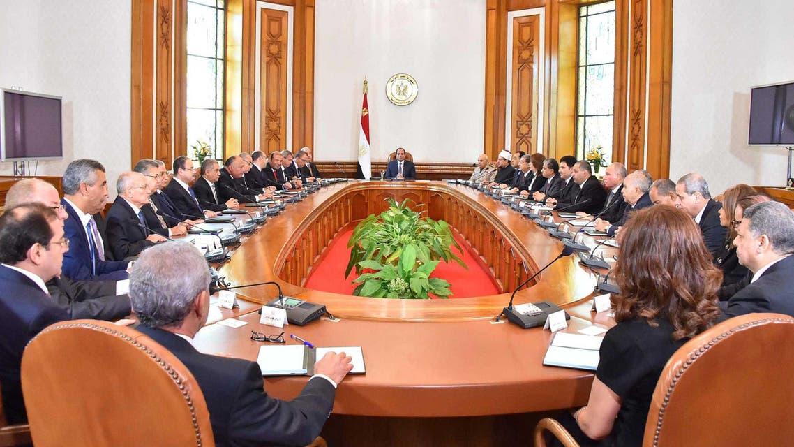 السيسي يجتمع مع الحكومة في القصر الجمهوري