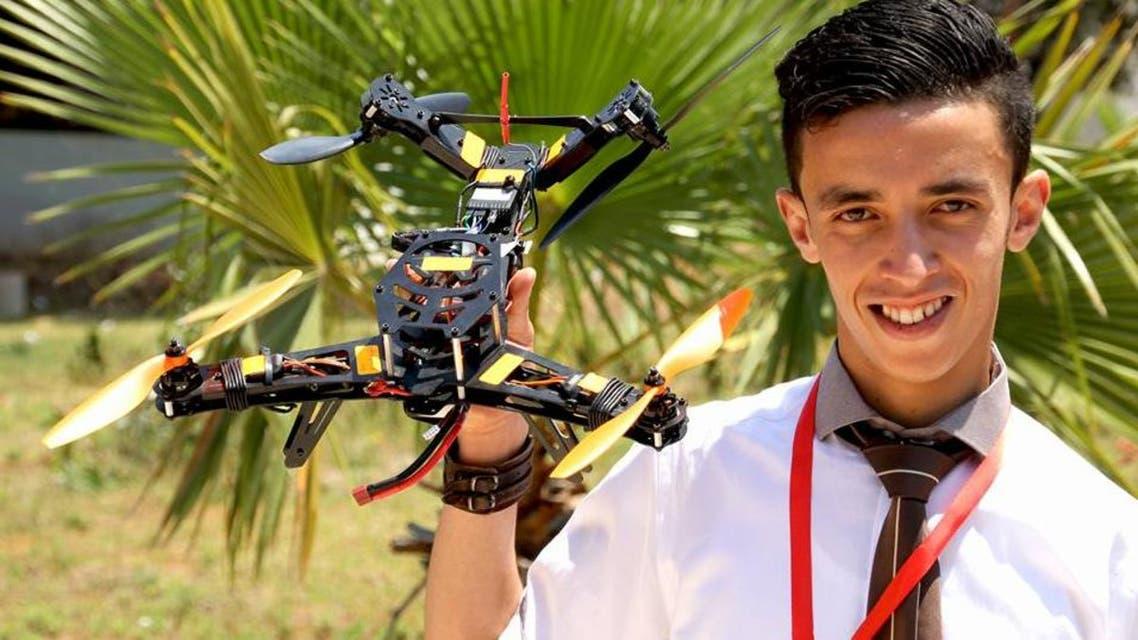 مخترع طائرات بدون طيار يبيع الحلوى في الجزائر