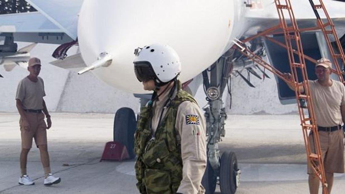 طيار روسي في قاعدة حميحم في اللاذقية