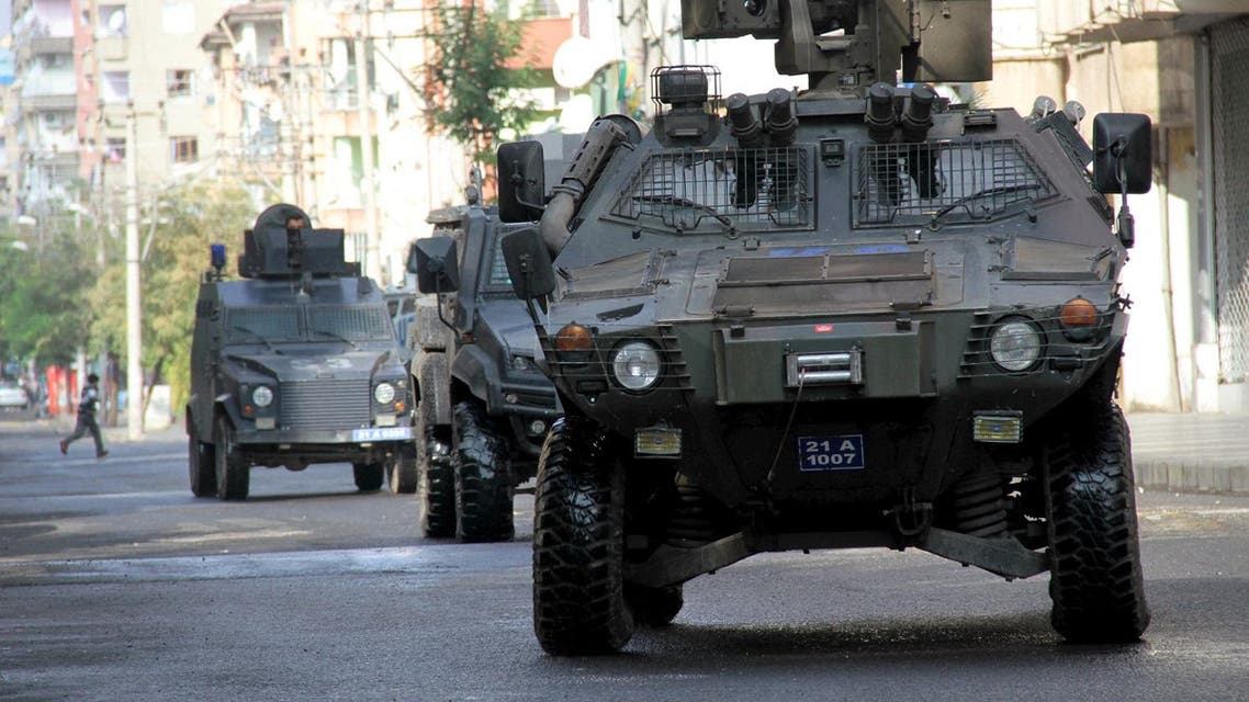 Members of Turkish police special forces in armored vehicles take part in a security operation in Diyarbakir. (File photo: Reuters)