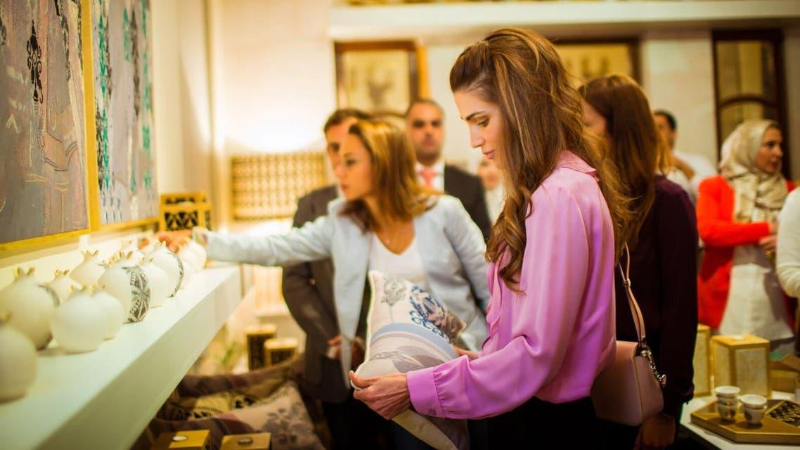 """الملكة رانيا تفتتح المعرض السنوي الـ20 لـ""""نهر الأردن"""""""