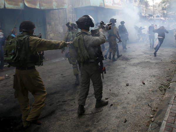 جيش الاحتلال يقتل فلسطينيين بزعم طعنهما جنودا بالخليل