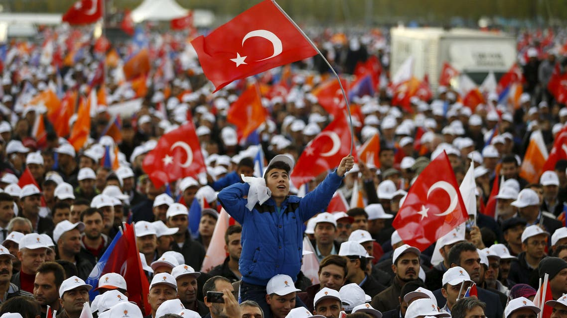 Turks rally for AKP