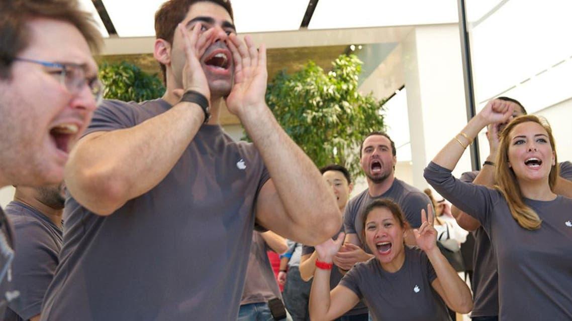 Dubai Apple Store opening (Photo: Peter Harrison)