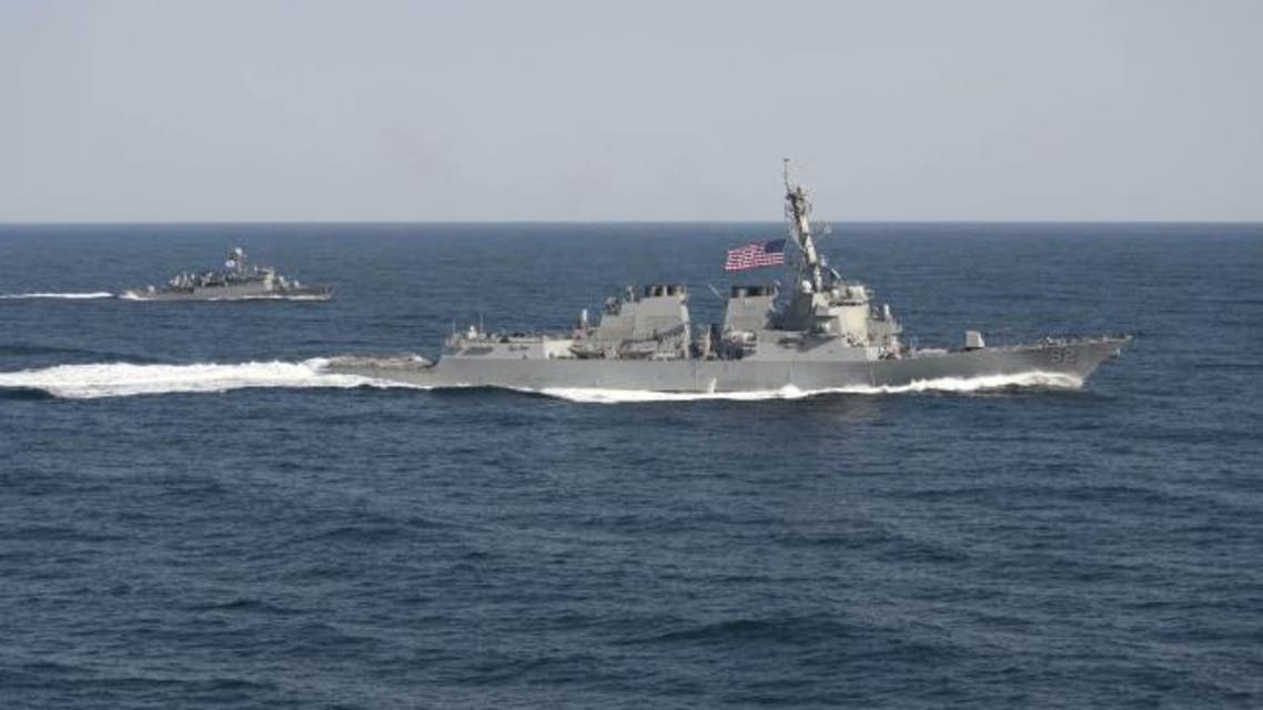 USS Lassen (DDG 82) (R) transits in formation with ROKS Sokcho (PCC 778) during exercise Foal Eagle 2015, in waters east of the Korean Peninsula. (File photo: Reuters)