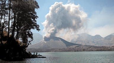 إندونيسيا.. بركان ثائر يغلق مطار بالي ويلغي 700 رحلة