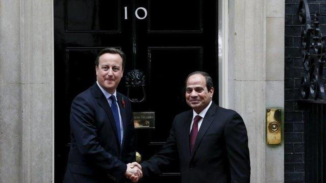 Britain's Prime Minister David Cameron (L) meets Egypt's President Abdel Fattah al-Sisi outside of 10 Downing Street in London, Britain November 5, 2015. Reuters