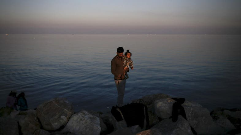 U S  to launch Syrian refugee screening centers - Al Arabiya