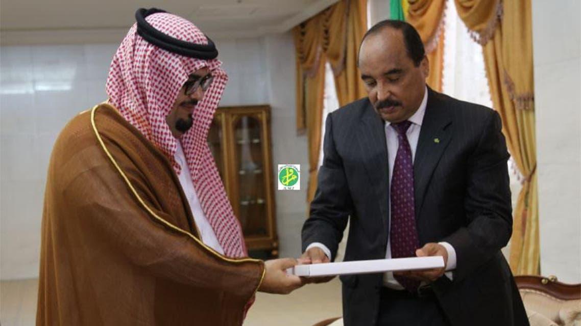 الرئيس الموريتاني يتلقى الدعوة من السفير السعودي في نواكشوط
