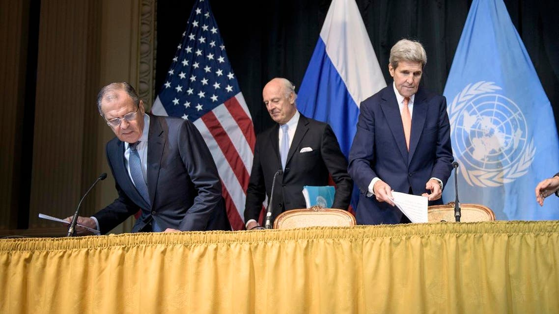 From left, Russian Foreign Minister Sergei Lavrov, UN Special Envoy for Syria Staffan de Mistura and Secretary of State John Kerry arrive for a news conference in Vienna, Austria, Friday, Oct. 30, 2015.