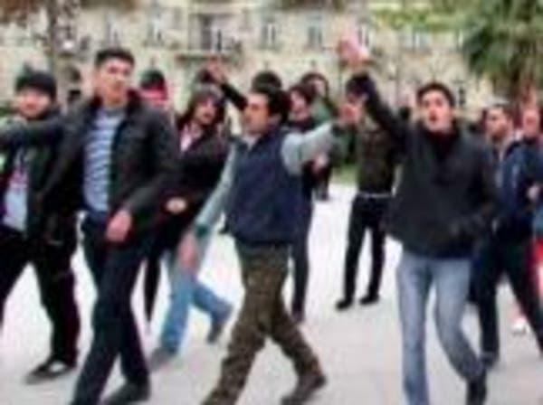 مواطنو أذربيجان يتضامنون مع أشقائهم بأذربيجان إيران