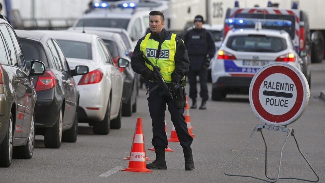French police conduct a checkpoint at the French-German border in Strasbourg, France, the morning after a series of deadly attacks in Paris , November 14, 2015. (Reuters)