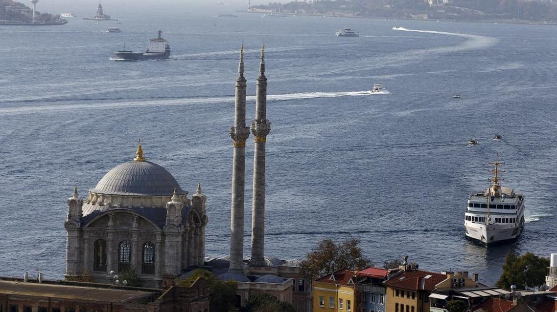 A passenger ferry arrives at Ortakoy pier in the European side of Istanbul, November 15, 2015. (File: Reuters)