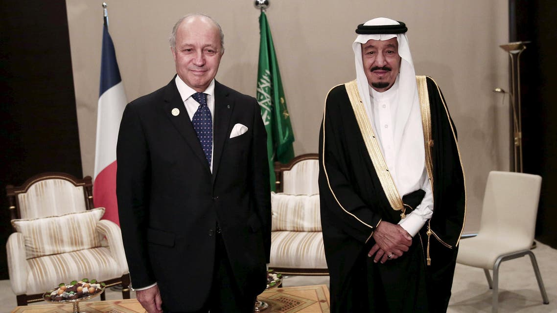 French Foreign Minister Laurent Fabius (L) meets with Saudi King Salman bin Abdulaziz at the Group of 20 (G20) leaders summit in the Mediterranean resort city of Antalya, Turkey, November 16, 2015. Reuters