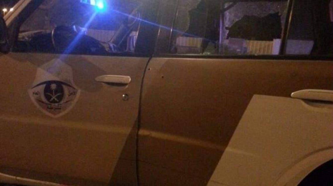 آثار إطلاق النار على سيارة الشهيدين
