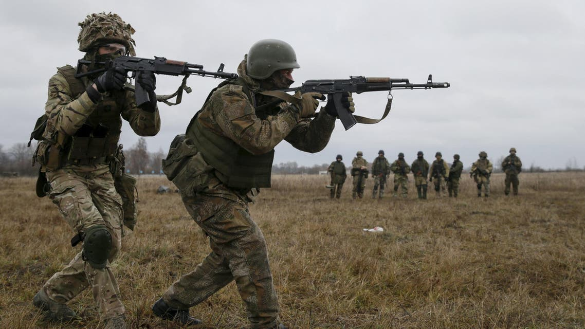 Servicemen of Ukrainian special operation forces take part in tactical exercises at a shooting range on Nov. 20, 2015. Ukrainan forces are attempting to dislodge pro-Russian rebels who control parts of the country's east  (Reuters)