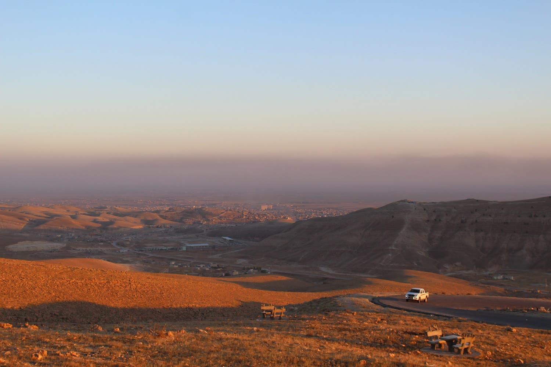 The view on Sinjar from the eponymous mountain. (Florian Neuhof/Al Arabiya News)