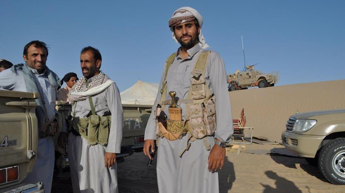 Yemeni fighters allied with the Saudi-led coalition fighting Houthi rebels visit a United Arab Emirates military base near Saffer, Yemen, Monday, Sept. 14, 2015 | AP