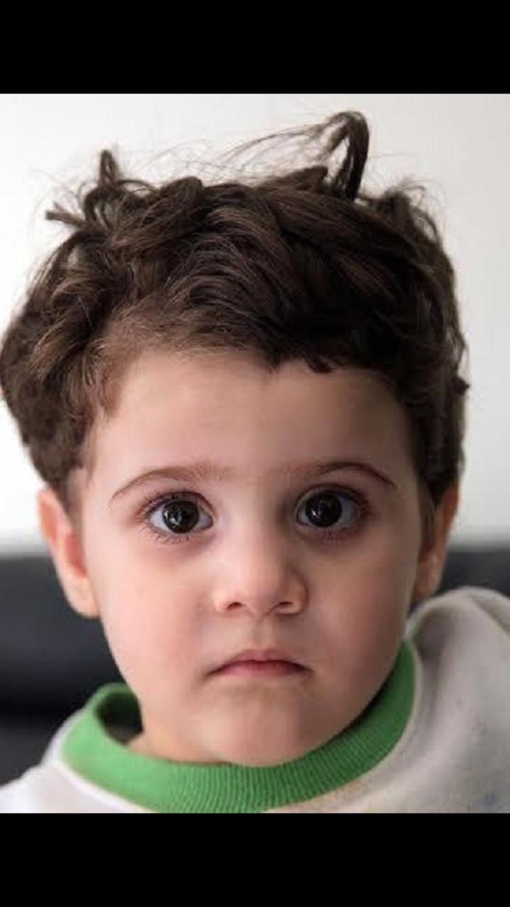 الطفلة جوري بعد قص شعرها من قبل خاطفيها