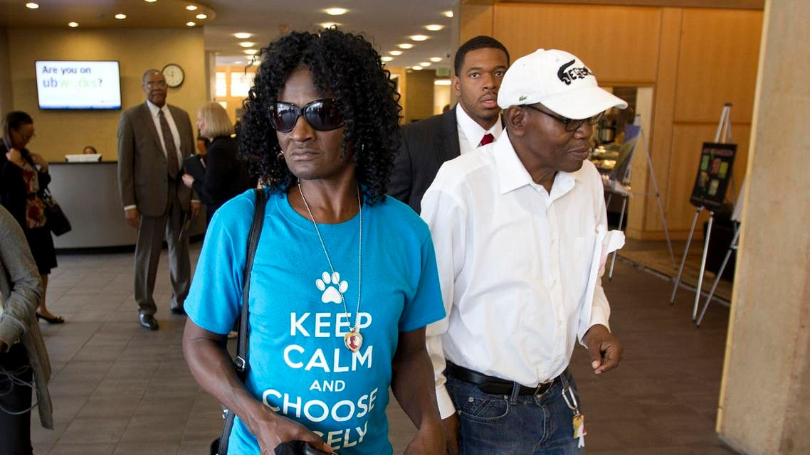 Freddie Gray's mother, Gloria Darden, accompanied by Freddie's stepfather Richard Shipley, arriving at Baltimore University to meet with an Attorney General in Baltimore, Md. on Tuesday, May 5, 2015. (File photo: AP)